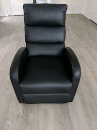 Black faux leather recliner armchair for sale!  Whitby, L1R