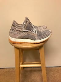 Adidas pure boost sz 9  Maple Ridge, V2X 9V3