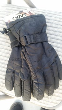 NEW Mens Large snowboard gloves