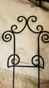 Wrought iron decorative plate/picture hanger Essex, 21221