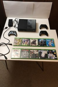 Xbox one/ 3 controllers/ 10 games Omaha, 68124