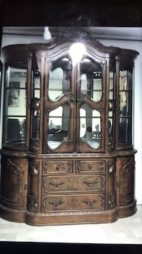 wood china cabinet Los Angeles, 91605