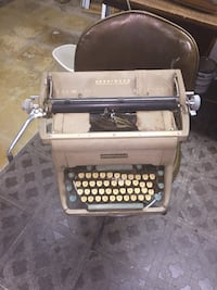 Gray underwood typewriter