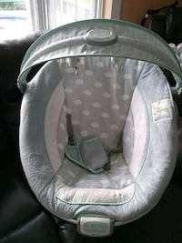 baby's gray and white bouncer Kissimmee, 34746