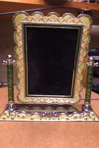 Metal photo frame purchased from winners Oshawa, L1K 2A9