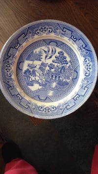 Plate blue willow