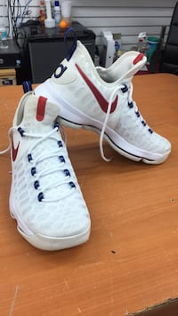pair of white Nike Air Foamposite Pro shoes Hollywood, 33021