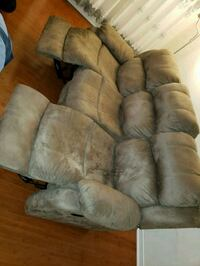 A Sofa/ couch with double reclining Mississauga, L5N 6X8