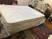 Mattress with box just used 3 years , brand name American dresm..queen size  Toronto, M1B