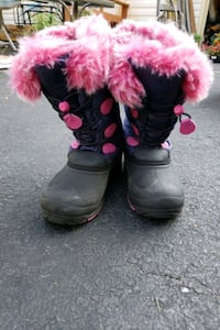 Girls Snow Boots size 5 Stafford, 22554