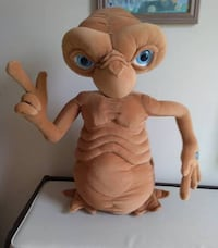 "Authentic Universal 2002 E.T. Plush Talking Plush Doll  Excellent Condition! Very Rare and Very Collectible!  E.T. Extra Terrestrial Talking Plush Doll 24""/60 cm Light up Finger Heart.  Excellent working condition! Smoke and Pet Free Home!  VIEW MY OTHER  Toronto"