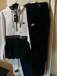 Nike hoodie and sweats size. (L/XL)