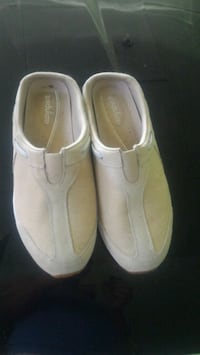 pair of white slip-on shoes Warner Robins, 31093