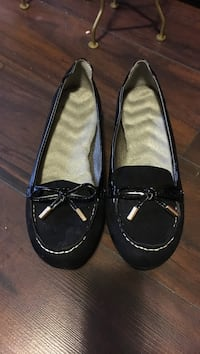 pair of black-and-gray suede loafers 1167 km