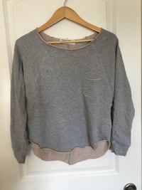 gray scoop-neck long-sleeved shirt Edmonton, T6M 2X1