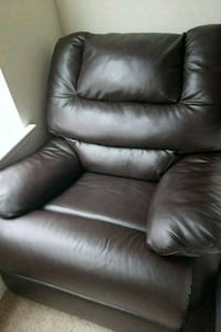 black leather recliner sofa chair Woodbridge, 22191