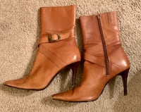Women's Sz 9 Guess Leather boots  Eagan, 55123
