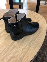 Size 10 girl boots  Pickering, L1V 2S2