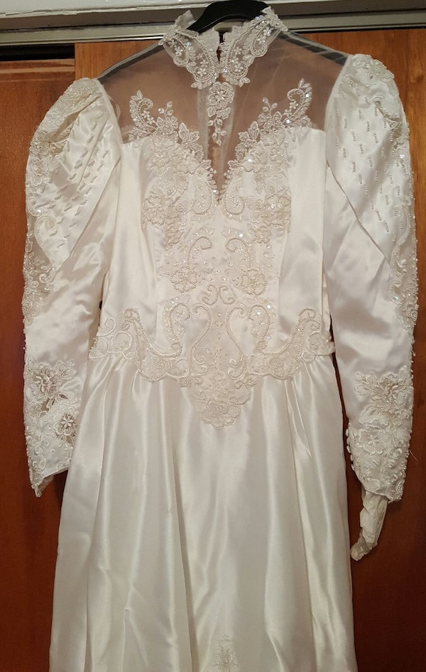 Used Gorgeous Princess Style Wedding Dress For Sale In West Orange