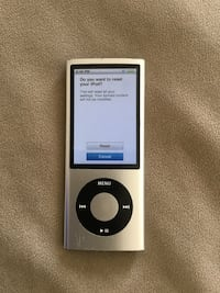 iPod A1320 with camera