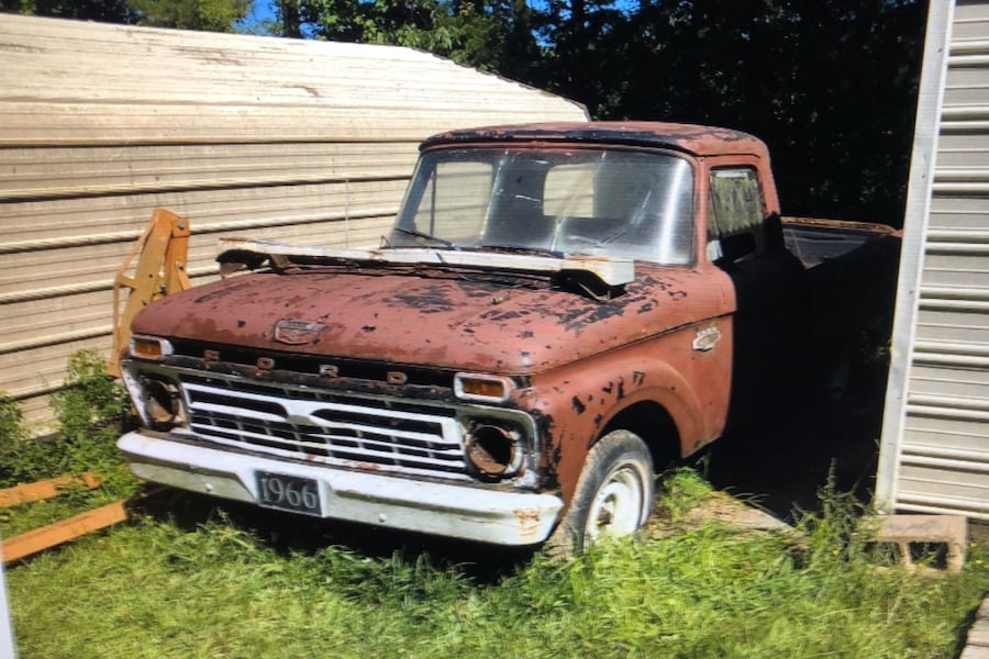 1966 Ford F-100 0