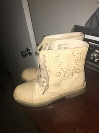 Kids size 2m  great condition  Hagerstown, 21740
