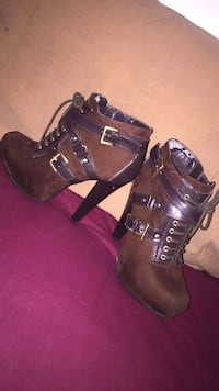 pair of brown leather chunky heeled booties Clovis, 93612