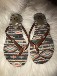 Guess sandals 7.5  Las Vegas, 89115
