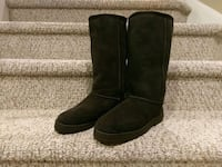 pair of black suede boots Woodbridge, 22193