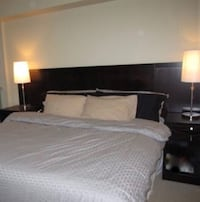 Wall hanging headboard-fits king or queen Toronto, M5R 2E6