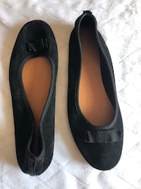 New Size 9 Leather Flats Calgary, T2Y 4W8