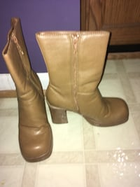 Brown boots... Pick up in columbia md 33 mi