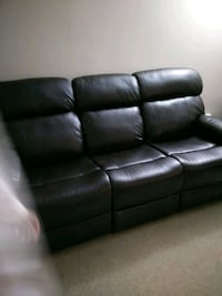 Brand new 3seat recliner very soft and comfortable 552 km
