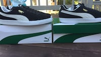Brand new pairs of puma suede classic size 11  Saint-Constant