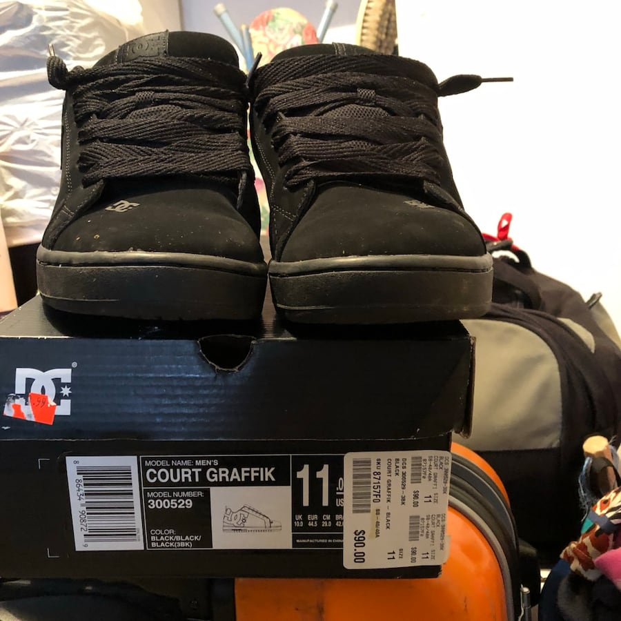 dc shoes size 11 fit by 10.5 i bought her last month 9/10 condition