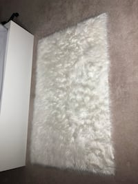 FAUX FUR white RUG Surrey, V3S 3E7