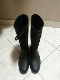Woman's boots size 9 Germantown, 20876