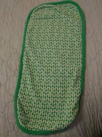 green and white knit cap Hawthorne, 90250