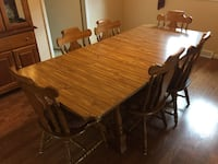 Dining room table with 6 chairs and leaf Franklin, 07416