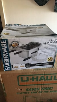 4 liter Deep fryer. Only used 3 times Silver Spring, 20904