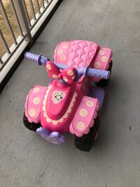 Minnie Mouse power wheels ride-on 6v with charger   Арлингтон, 22202