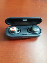 Barely Used Samsung Gear IconX In-Ear Wireless Headphones 717 km