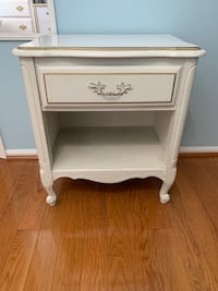 White Nightstand with Drawer Valley Cottage, 10989
