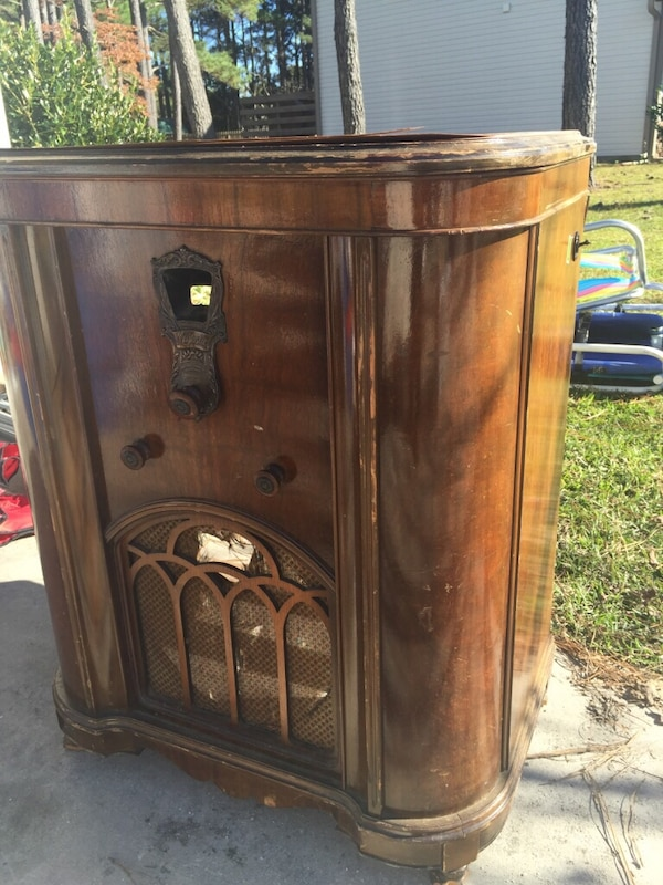 Used Majestic Antique Radio Cabinet for sale in Wilmington - Used Majestic Antique Radio Cabinet For Sale In Wilmington - Letgo