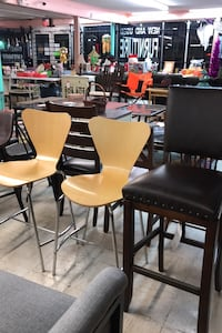 Chairs and bar chairs/stools Oklahoma City, 73107