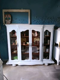Display Cabinet Wrightwood