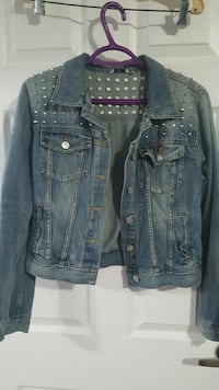women's blue denim jacket Saint Catharines, L2T 2P4