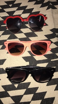 3 pairs of Sunglasses Warren, 48093