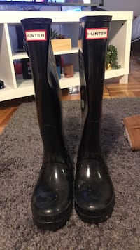 Pair of black hunter rain boots Washington, 20016