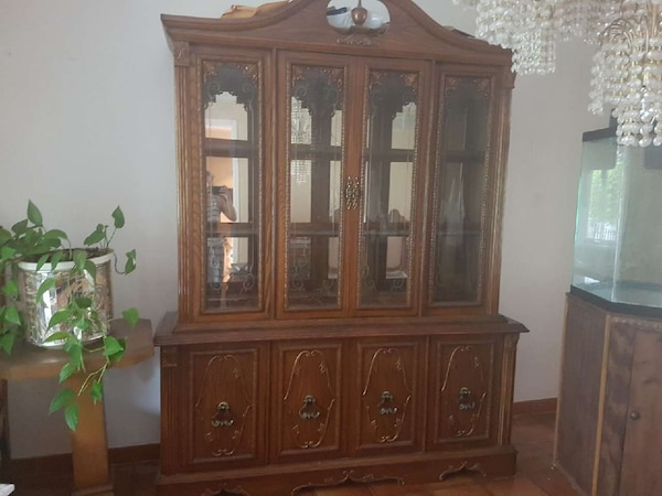 Used 6 Piece Dining Room Set With Buffet Hutch For Sale In Toronto